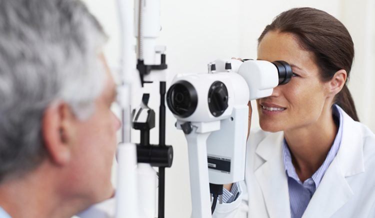 51b62864d51 3 Tips to choosing an eye doctor
